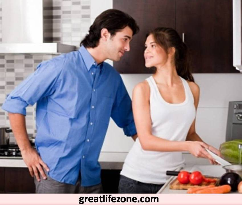 What qualities do men look for while choosing their future wife